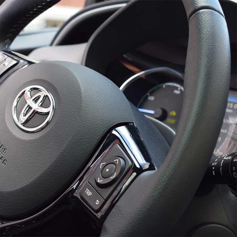 Lenkrad Detail Toyota Yaris